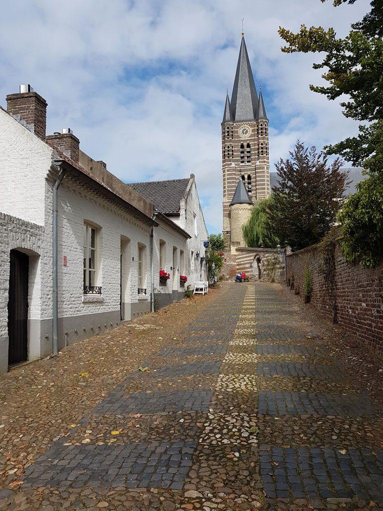 Uitzicht op de Sint-Michaëlskerk in Thorn